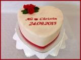 Hochzeitstorte rot Herz Rosen